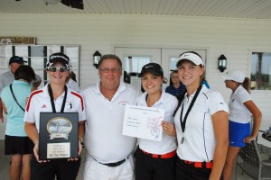 L-R Hollee Sadler, Head Coach Mike Ray, Savannah Quick and Sophie Vinson