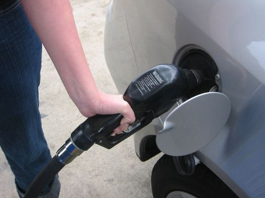 Gas prices bump up 2 cents in Tennessee
