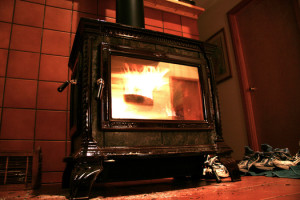 There are ways to burn a more efficient fire to help reduce wood smoke, which is harmful to human health and can be a major source of air pollution. Photo credit: Dan Phiffer/Flickr.