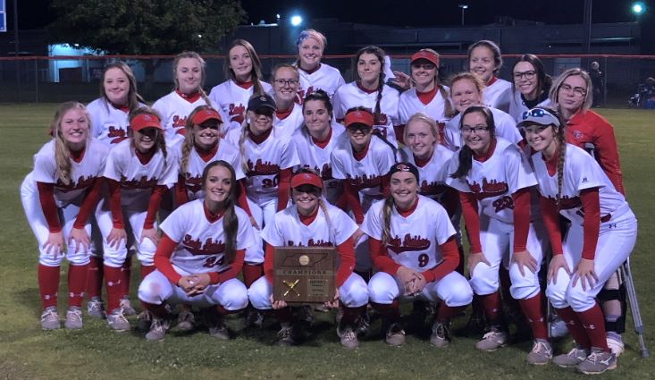 CHAMPIONS! Lady Raiders crush Lincoln County in district title game